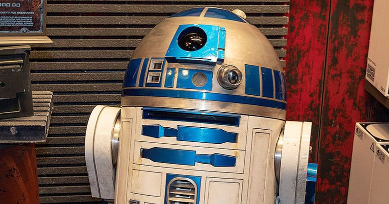 Star Wars: Galaxy's Edge Is Selling More $25K R2-D2 Droids Than You'd Think