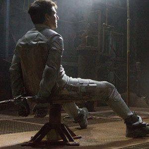 Oblivion Interrogation Photo with Tom Cruise and Morgan Freeman