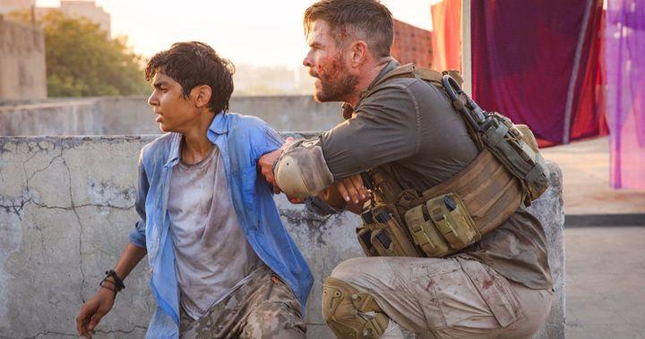 Chris Hemsworth Thanks Fans As Extraction Hits A Major Netflix Milestone