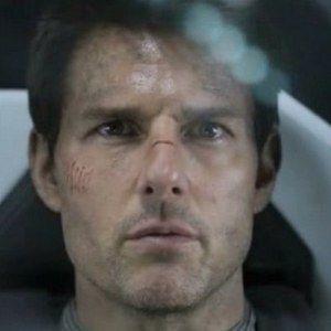 Oblivion International Trailer Starring Tom Cruise