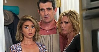 Big Modern Family Death Probably Isn't Who You Think Teases Ariel Winter