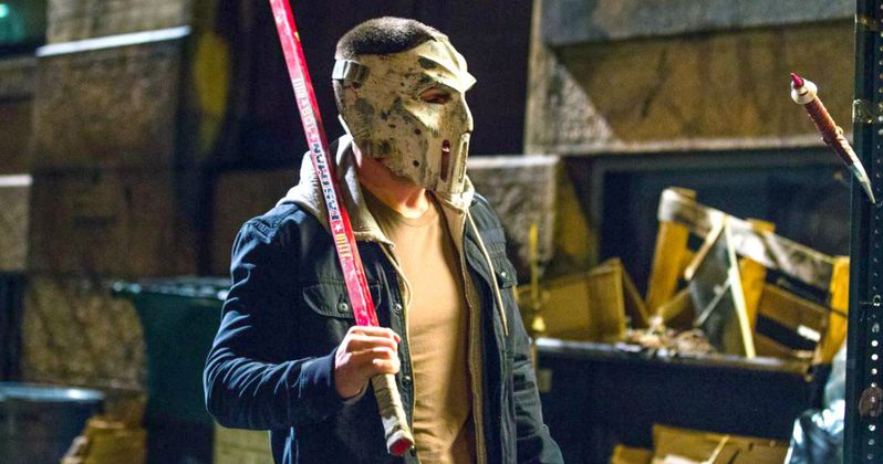 Ninja Turtles 2: Stephen Amell as Casey Jones Officially Revealed!