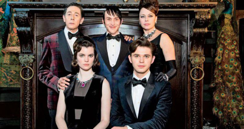 Penguin Family Portrait Unveiled in Gotham Season 2