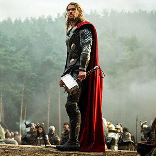 Chris Hemsworth Visits Asgard in Thor: The Dark World Photo