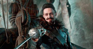 Pan Bloopers Expose Hugh Jackman's Embarrassing Sword Skills