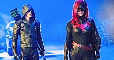 Elseworlds Part 2 Trailer Visits Batwoman in Gotham City