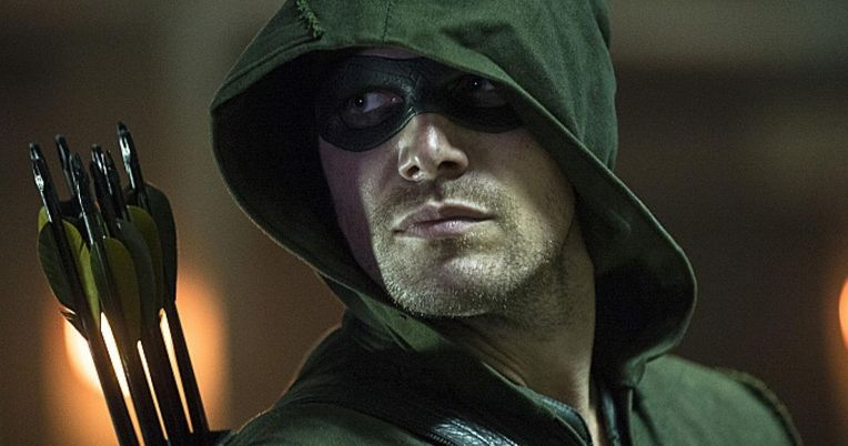 Stephen Amell Doesn't Care If Arrow Gets Recast in a DC Movie