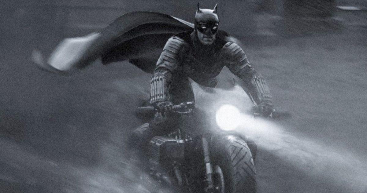 The Batman Batsuit Looks Great with a Cape in BossLogic's Latest Fan-Art