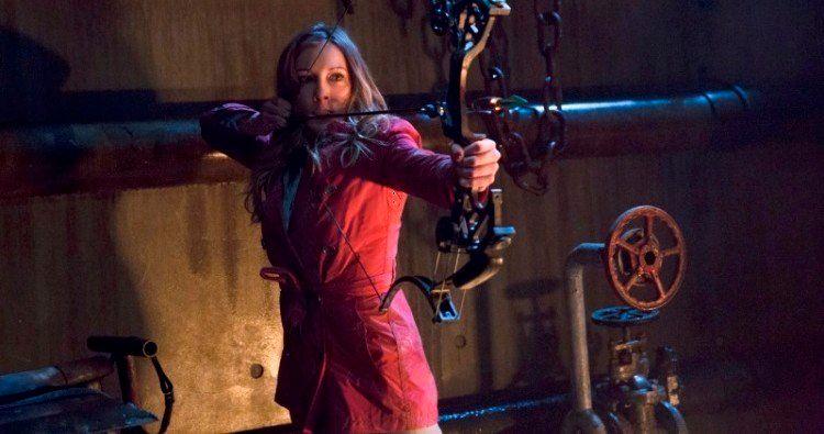 Laurel Gets an Archery Lesson in Arrow Season 2, Episode 22 Clip