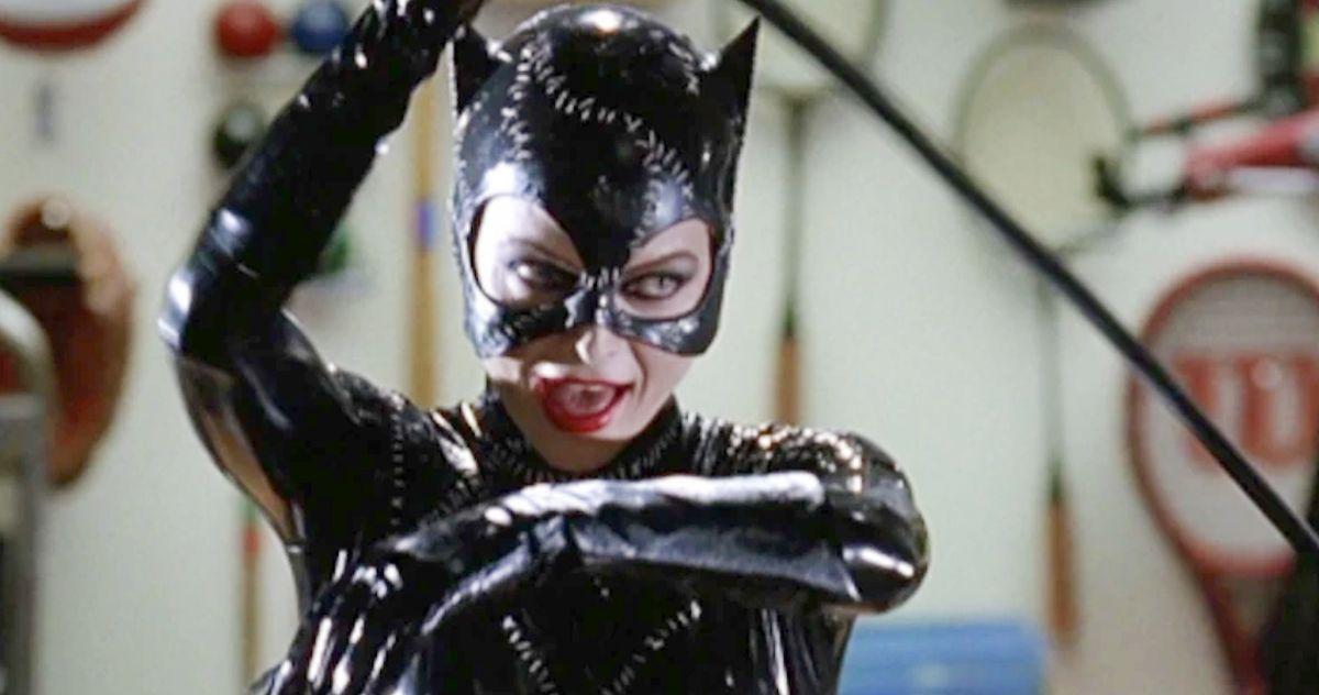 Тенденции «Женщины-кошки» в раскрытом видео, в котором Мишель Пфайффер обезглавливает 4 манекена за один раз