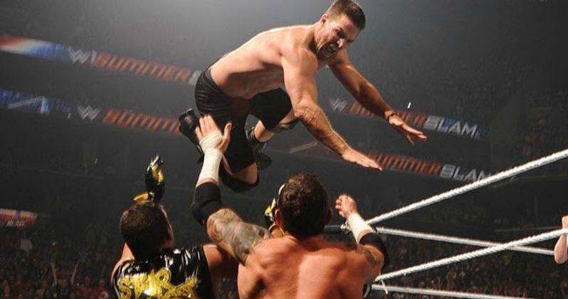 Watch Arrow Defeat Stardust at WWE SummerSlam 2015