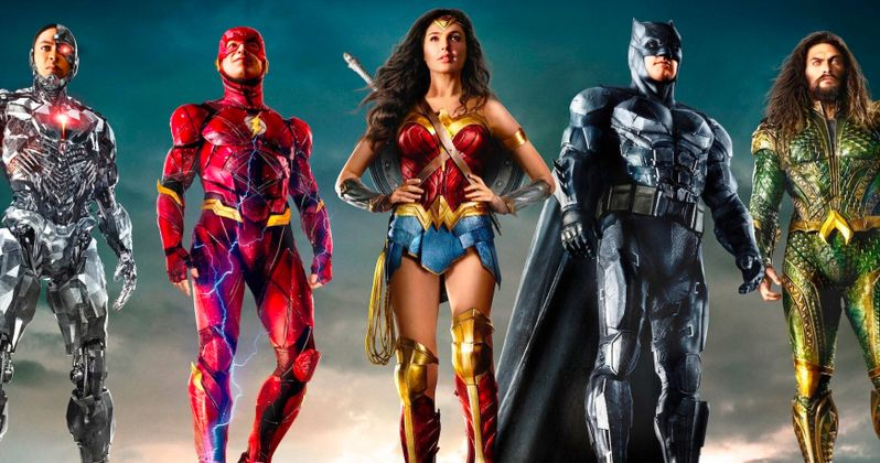 #ReleaseTheSnyderCut Justice League Banners Fly High Over Comic-Con