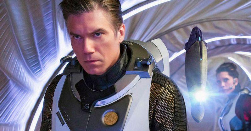 Star Trek Discovery Season 2 Featurette Explores Captain Pike's Journey
