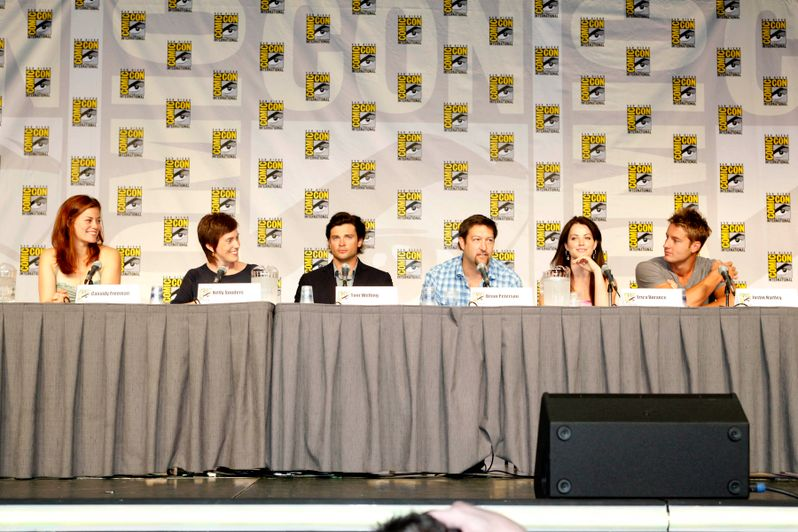 <strong><em>Smallville</em></strong> @ Comic-Con 2010 photo 1
