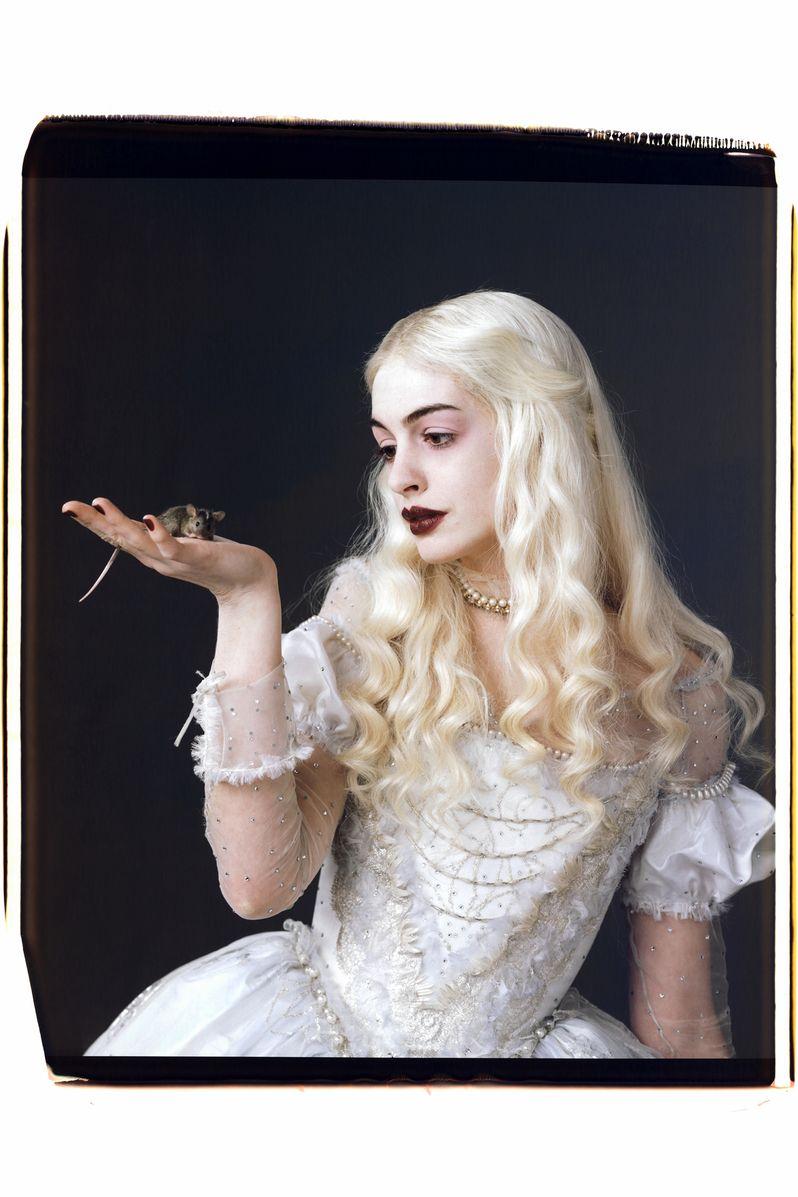 Anne Hathaway's White Queen from Tim Burton's <strong><em>Alice in Wonderland</em></strong>