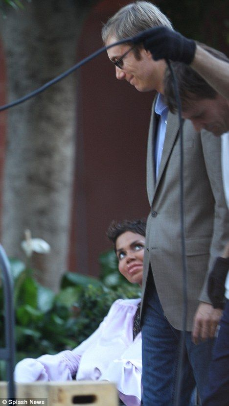 Halle Berry on the set of <strong><em>Truth or Dare</em></strong> #4