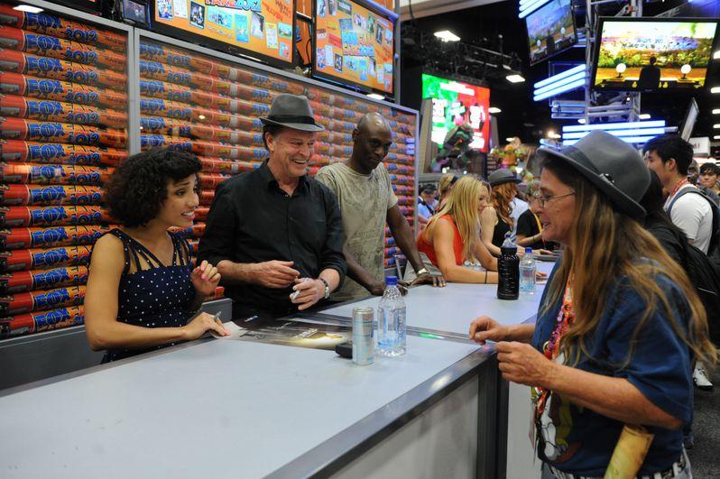 <strong><em>Fringe</em></strong> @ Comic-Con 2012 photo 2