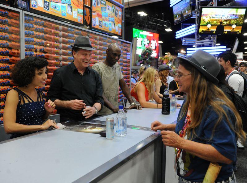 <strong><em>Fringe</em></strong> @ Comic-Con 2012 photo 3
