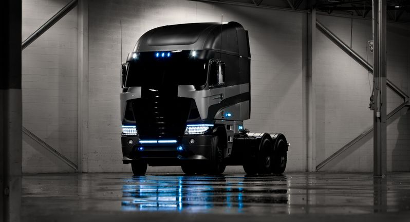 Transformers 4 Freightliner Photo