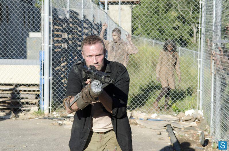 <strong><em>The Walking Dead</em></strong> Season 3, Episode 11 Photo 1