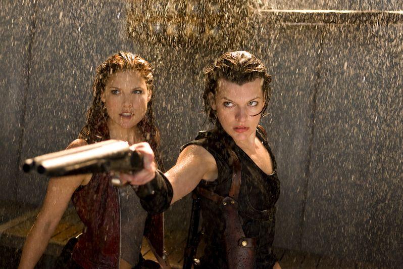 Ali Larter and Milla Jovovich in <strong><em>Resident Evil: Afterlife</em></strong>
