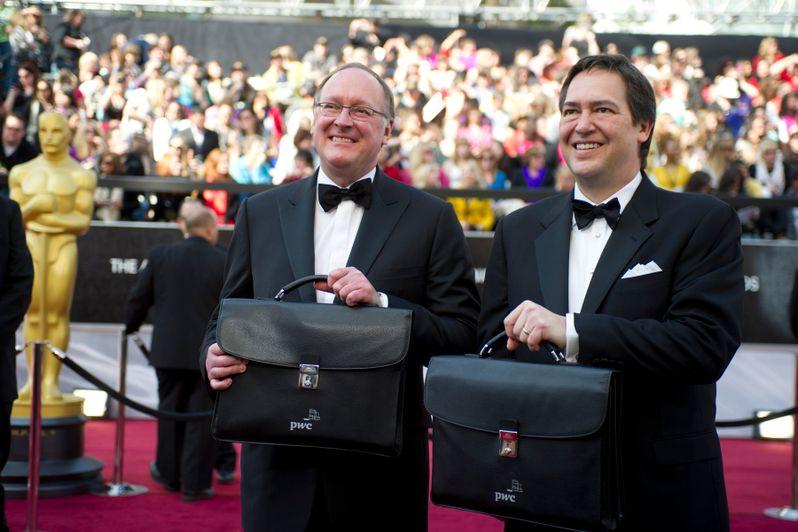 2012 Academy Awards Red Carpet Arrivals photo 1