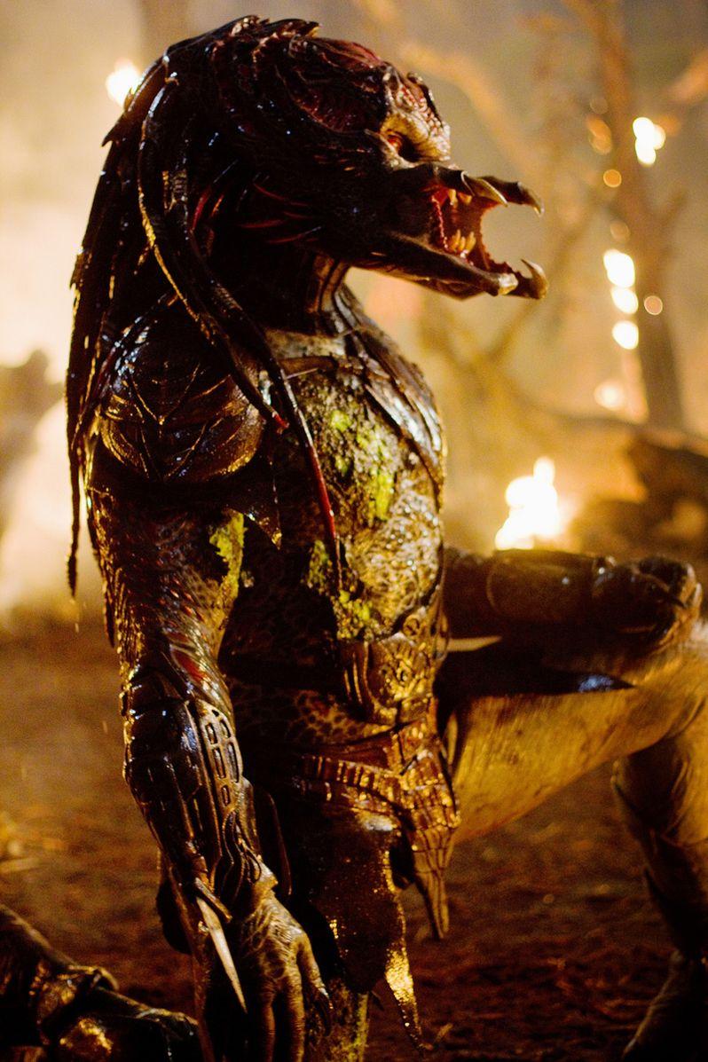 <strong><em>Predators</em></strong> Mr. Black Image #4