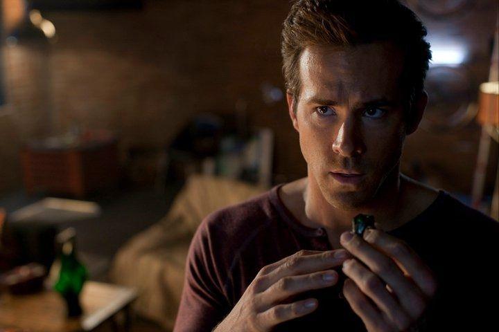 Ryan Reynolds in <strong><em>Green Lantern</em></strong>