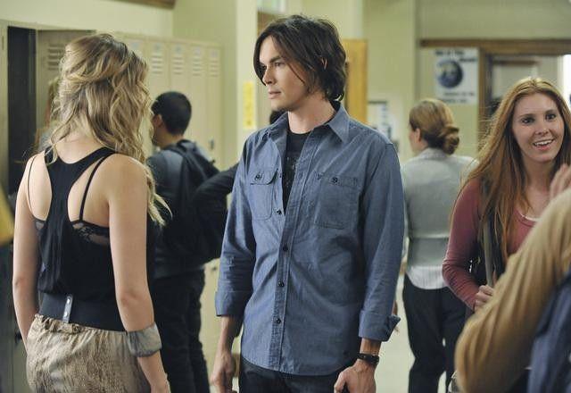 Tyler Blackburn Talks <strong><em>Pretty Little Liars</em></strong> Season 2