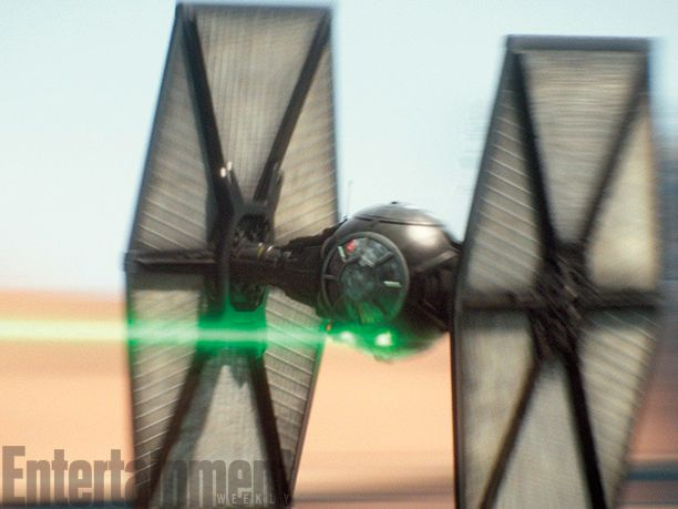 <strong><em>Star Wars: The Force Awakens</em></strong> Photo 23