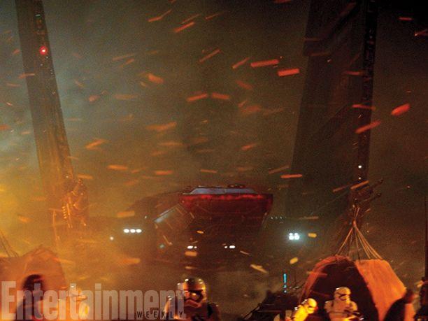 <strong><em>Star Wars: The Force Awakens</em></strong> Photo 13