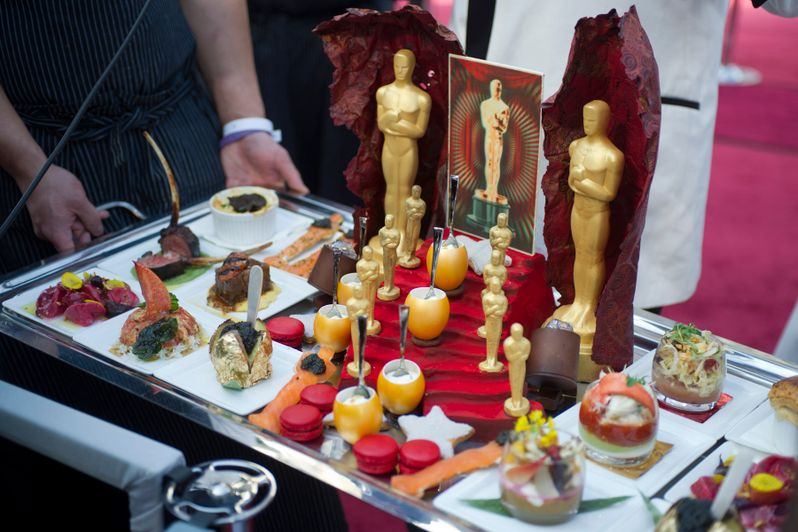 2012 Academy Awards Red Carpet Arrivals photo 3