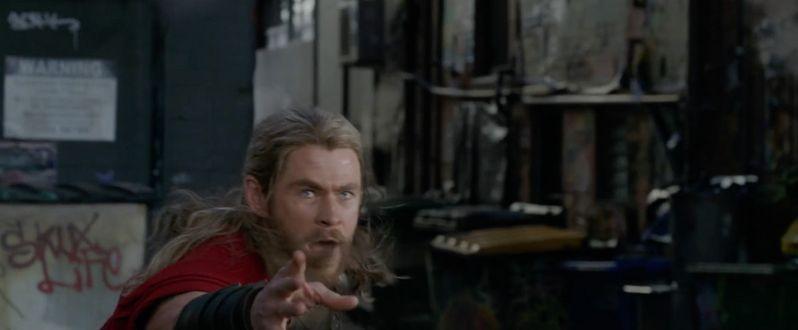 <strong><em>Thor: Ragnarok</em></strong> photo 6