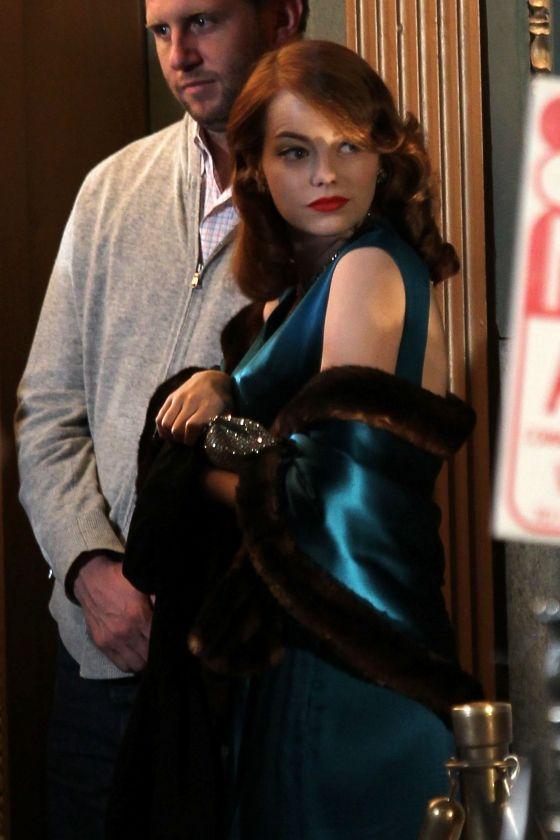 Emma Stone on the <strong><em>Gangster Squad</em></strong> Set