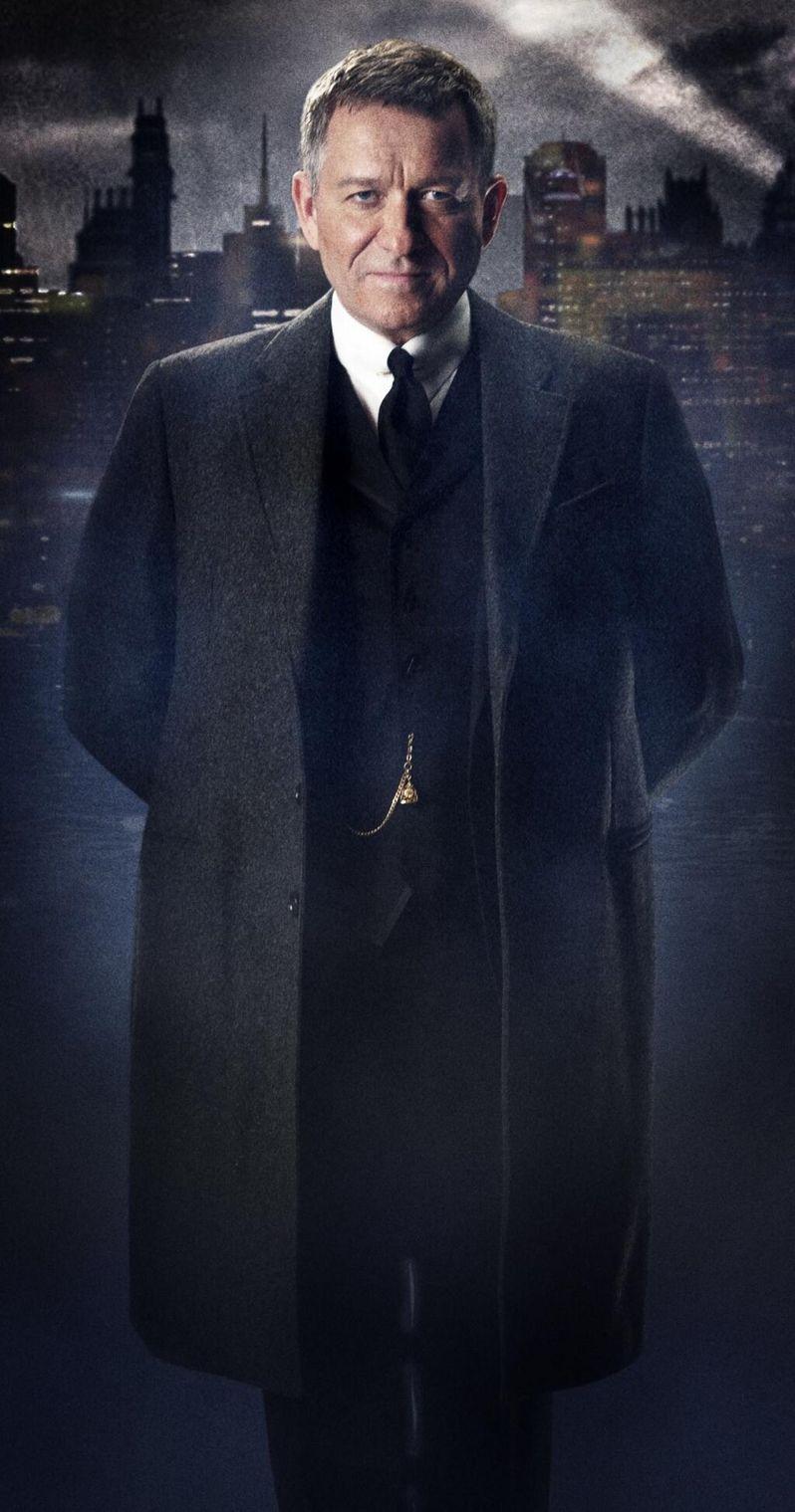 <strong><em>Gotham</em></strong> Alfred Pennyworth Photo