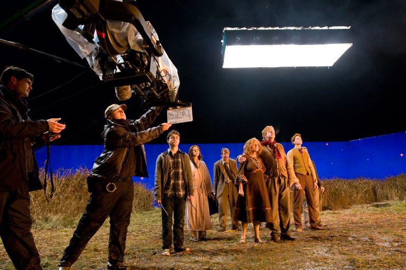 Daniel Radcliffe, Bonnie Wright and David Thewlis on the set