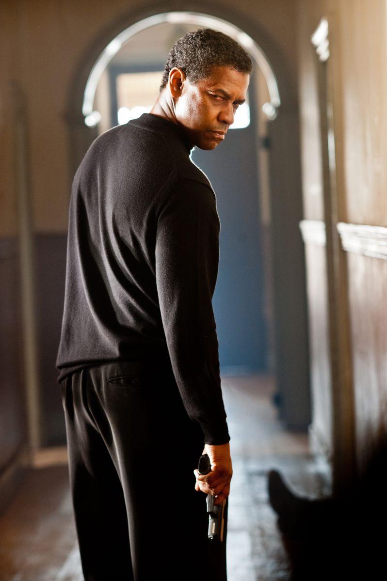 Denzel Washington in <strong><em>Safe House</em></strong>