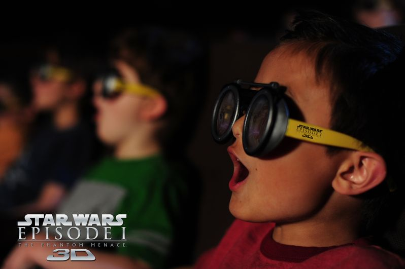 <strong><em>Star Wars: Episode I - The Phantom Menace</em></strong> 3D pod racer glasses photo #1
