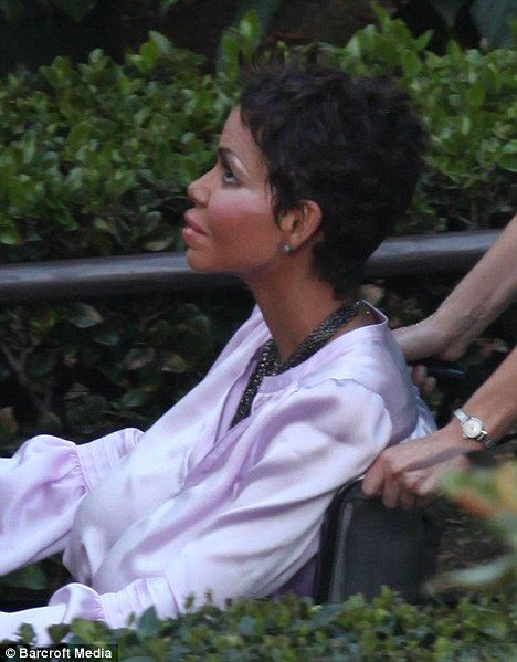 Halle Berry on the set of <strong><em>Truth or Dare</em></strong> #2