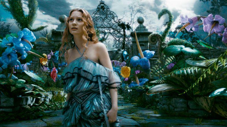 Mia Wasikowska Talks <strong><em>Alice in Wonderland</em></strong>
