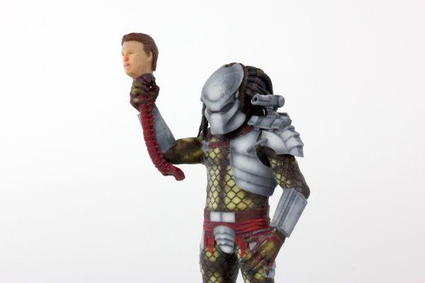<strong><em>Predator</em></strong> Mini-Figurine Photo 2