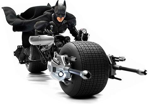 <strong><em>The Dark Knight Rises</em></strong> Batman on Batpod Action Figure
