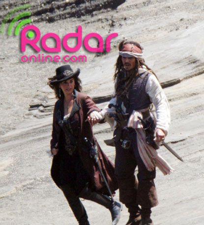 Penelope Cruz and Johnny Depp in <strong><em>Pirates of the Caribbean: On Stranger Tides</em></strong>
