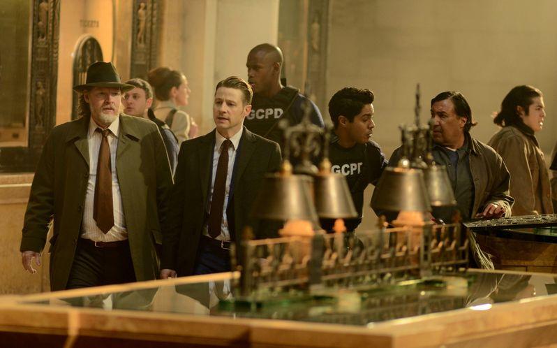 <strong><em>Gotham</em></strong> Season 2 Episode 15 Photo 1