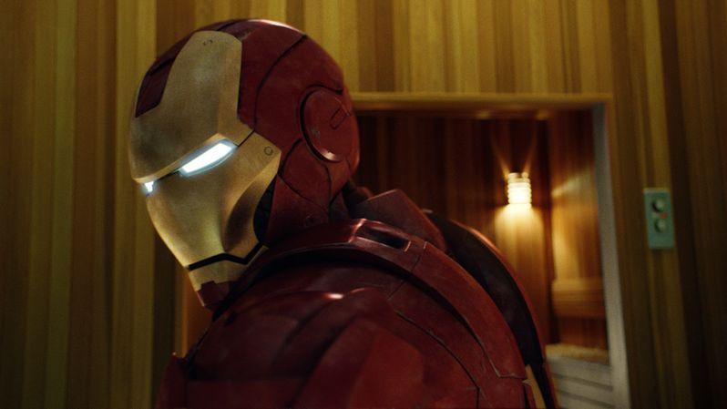 {<strong><em>Iron Man 2</em></strong>