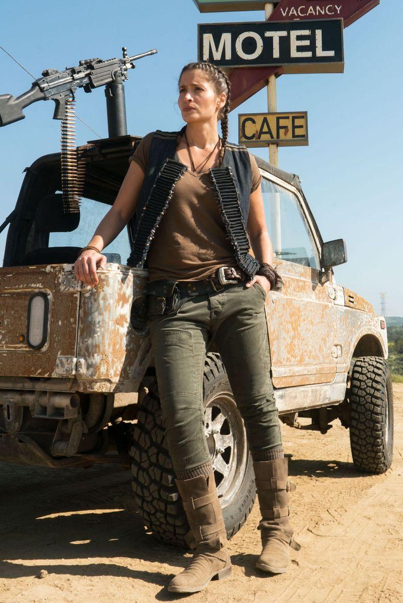 <strong><em>Fear the Walking Dead</em></strong> - Season 3 photo 1