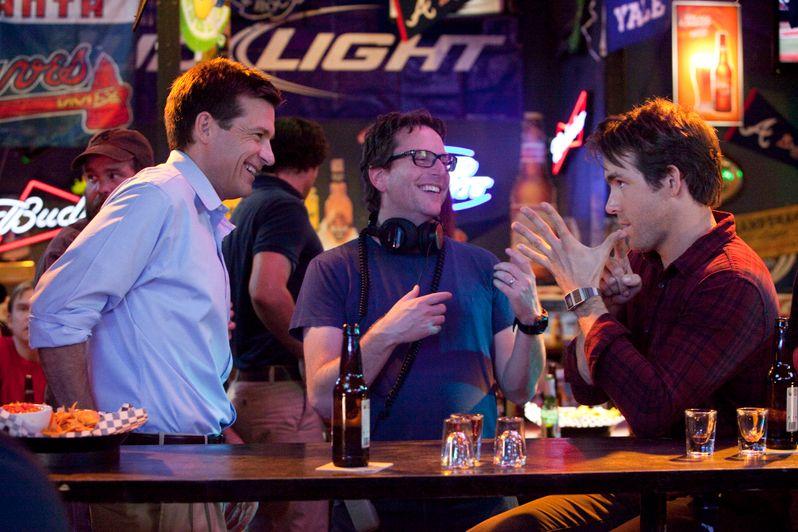 Jason Bateman and Ryan Reynolds with director David Dobkin on the set