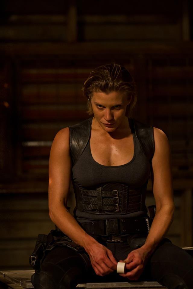 <strong><em>Riddick</em></strong> Katee Sackhoff Photo