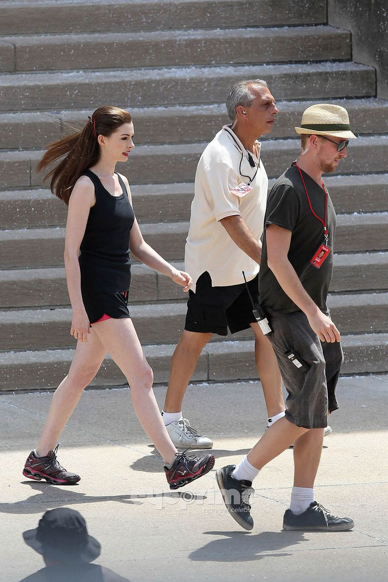 Anne Hathaway on <strong><em>The Dark Knight Rises</em></strong> Set #2