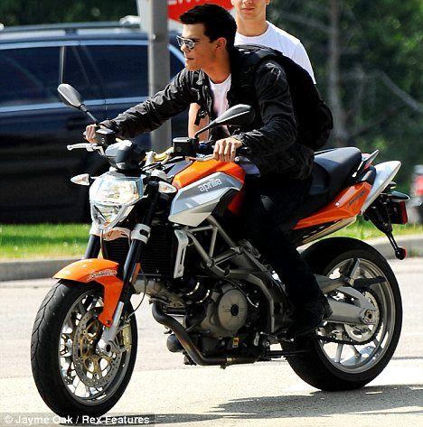 Taylor Lautner on the set of <strong><em>Abduction</em></strong> #2